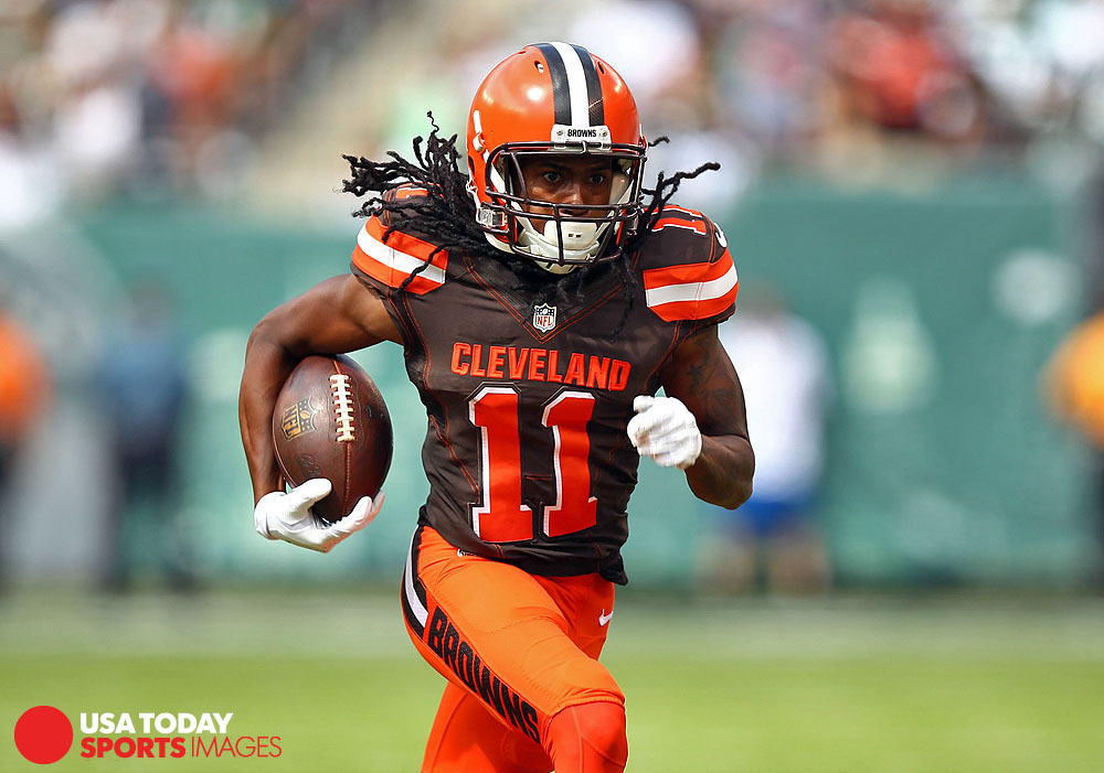 Sep 13, 2015; East Rutherford, NJ, USA; Cleveland Browns wide receiver Travis Benjamin (11) runs with the ball against the New York Jets during the first half at MetLife Stadium. Mandatory Credit: Danny Wild-USA TODAY Sports
