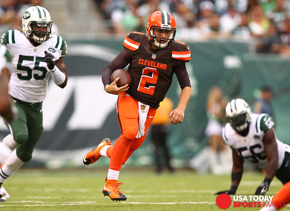 Sep 13, 2015; East Rutherford, NJ, USA; Cleveland Browns quarterback Johnny Manziel (2) runs with the ball during the second half at MetLife Stadium. Mandatory Credit: Danny Wild-USA TODAY Sports